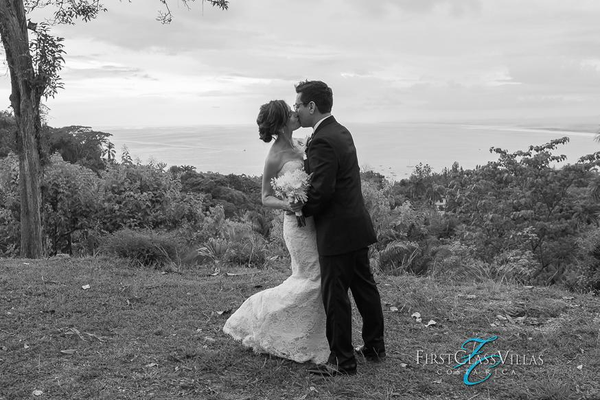 Having A Costa Rica Destination Wedding Dont Forget Your Guests