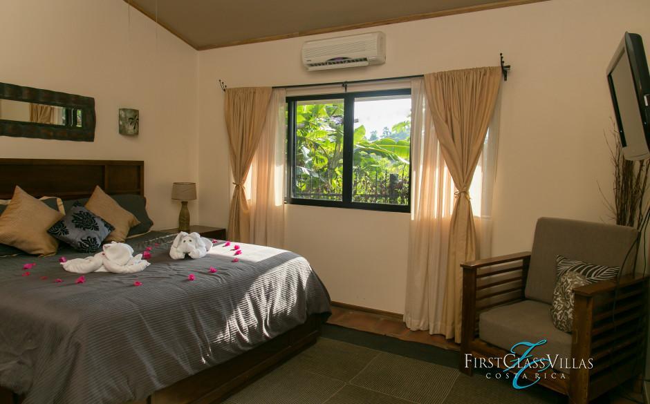 Villa Colibri Bedroom 1